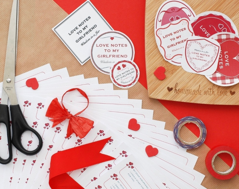 365 Love Notes: The Perfect Gift For Your Loved One This